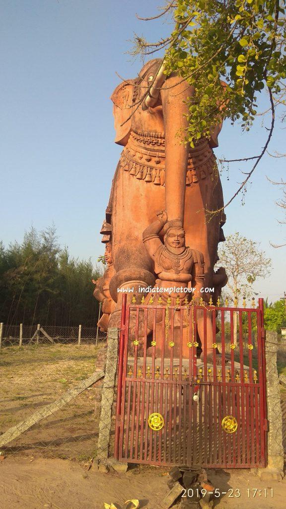 Sri Thuravu Melazhagar Temple- Salupai- Elephant Statue