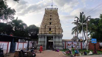 Sri Pushparatheswarar Temple - Gnayiru